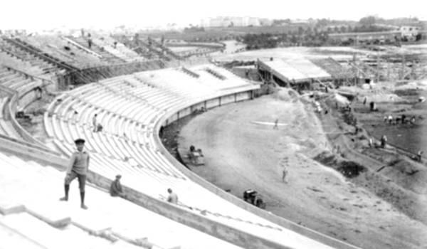 construcción del estadio centenario