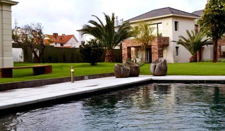 hotel cottage piscina al aire libre