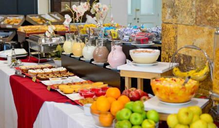 pocitos plaza hotel desayuno incluido