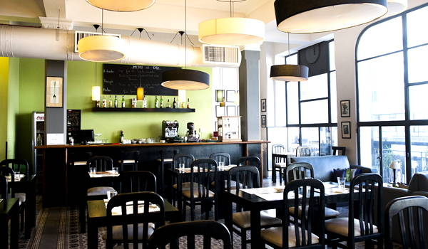 restaurante peatonal sarandi - pv lounge