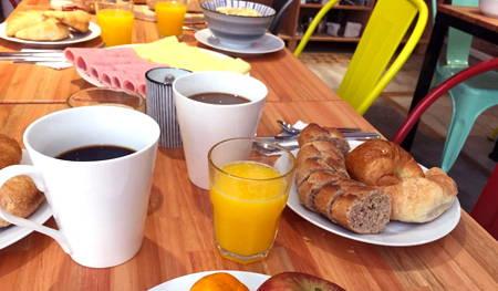 desayuno circus hotel y hostel montevideo