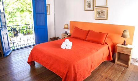 habitación el viajero colonia hostel y suites