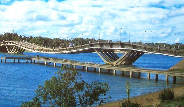 puente de la barra de punta del este