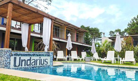piscina undarius hotel exlusivo para hombres gay