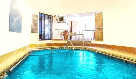 piscina hotel colón piscina
